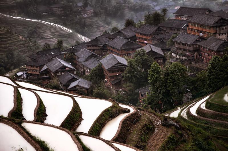 Горная деревушка на юге Китая. древня, путешествие