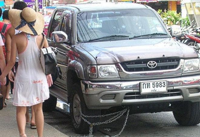 5. Противоугонка по-тайски люди, таиланд, юмор