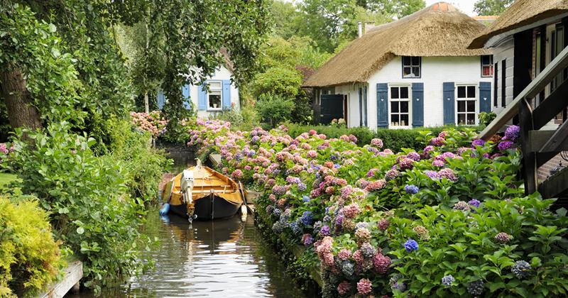 В деревне Гитхорн в Голландии нет ни одной дороги венеция, голландия, каналы, тишина, туризм
