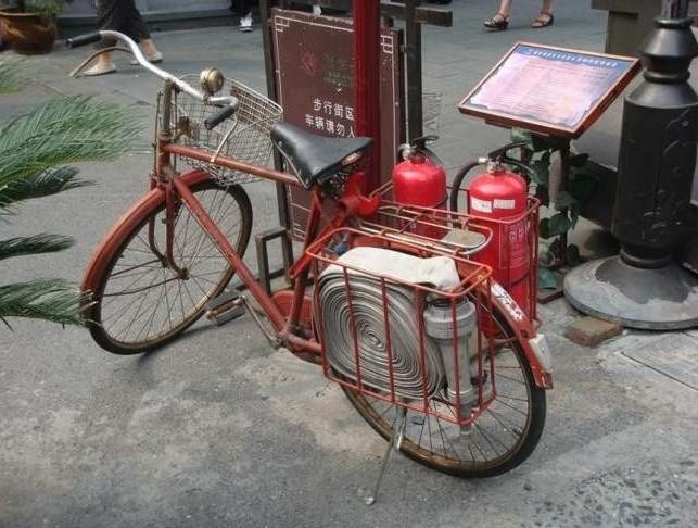 Велосипед пожарного реагирования безопасность, пожар, пожарники, прикол, противопожарная, юмор