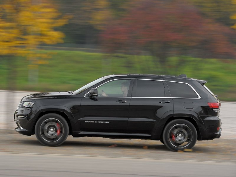 Jeep Grand Cherokee SRT – 0-100 км/ч за 5,0 с