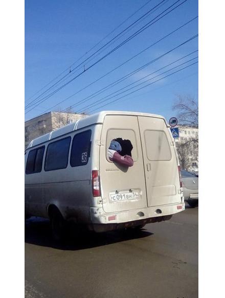 Подсмотрено в пробке: этим водителям плевать на безопасность водитель, маршрутка, прикол, пробка, юмор