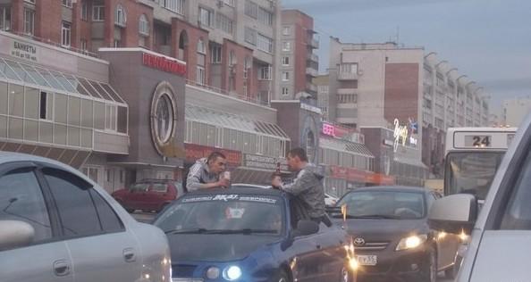 Пробки в пятничный вечер выглядят обычно так  водитель, маршрутка, прикол, пробка, юмор