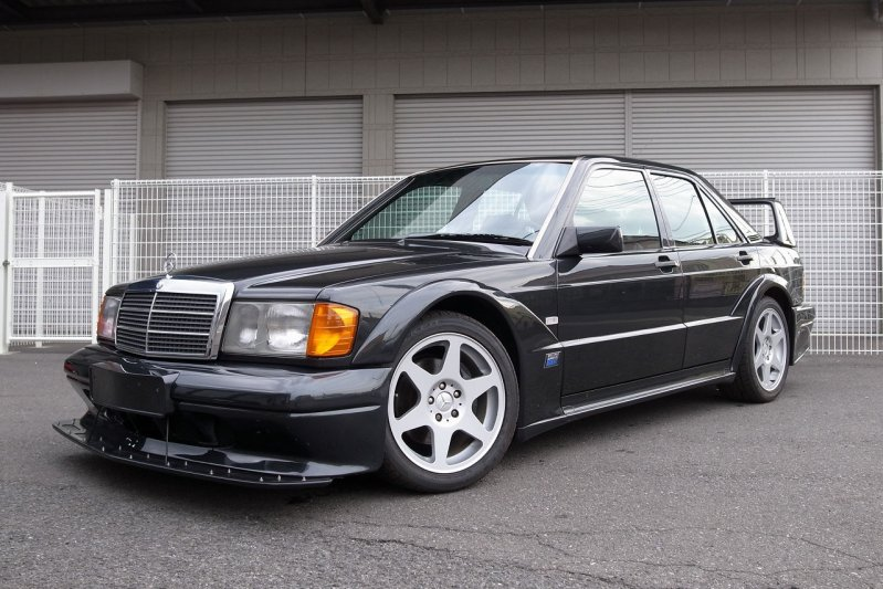 Mercedes-Benz 190E Evolution II выставлен на eBay