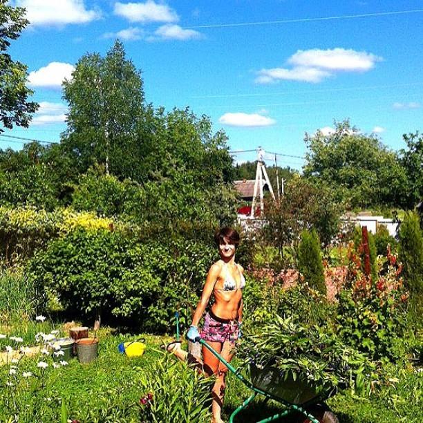 большие летом на даче с женой фото мид надеются своевременное