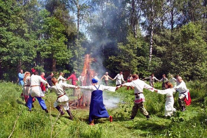 Зеленые святки 2019 года уже стали отмечаться православными христианами