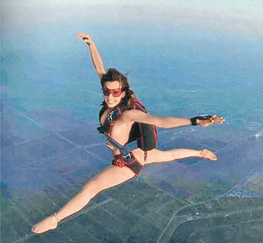 Not Nude girl sky diving