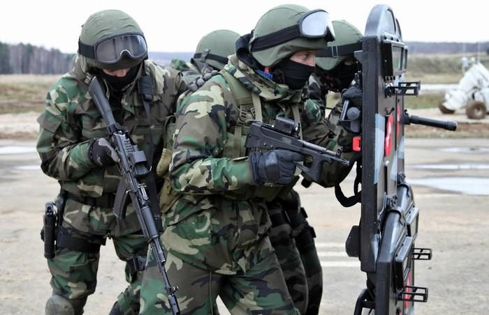 Вооружение группы АЛЬФА ЦСН ФСБ Группа Альфа, война, оружие, спецподразделение