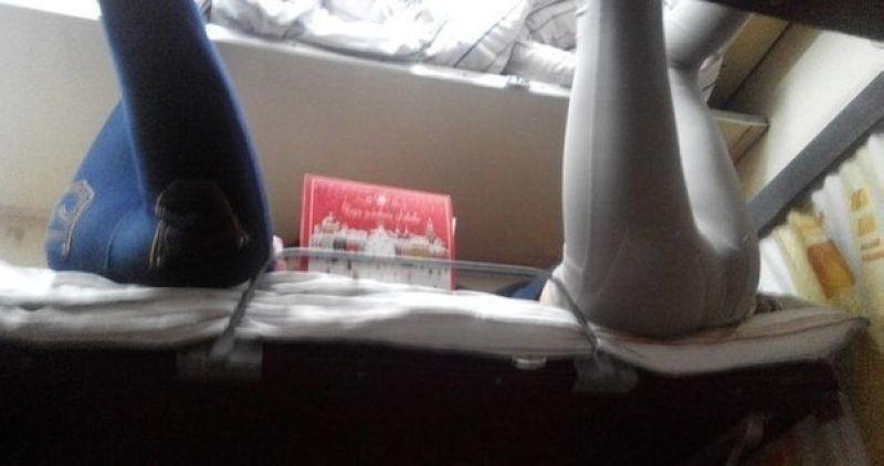 Плацкартная романтика: вот почему люди предпочитают поезда самолетам девушки, плацкарт, поезд, прикол, юмор