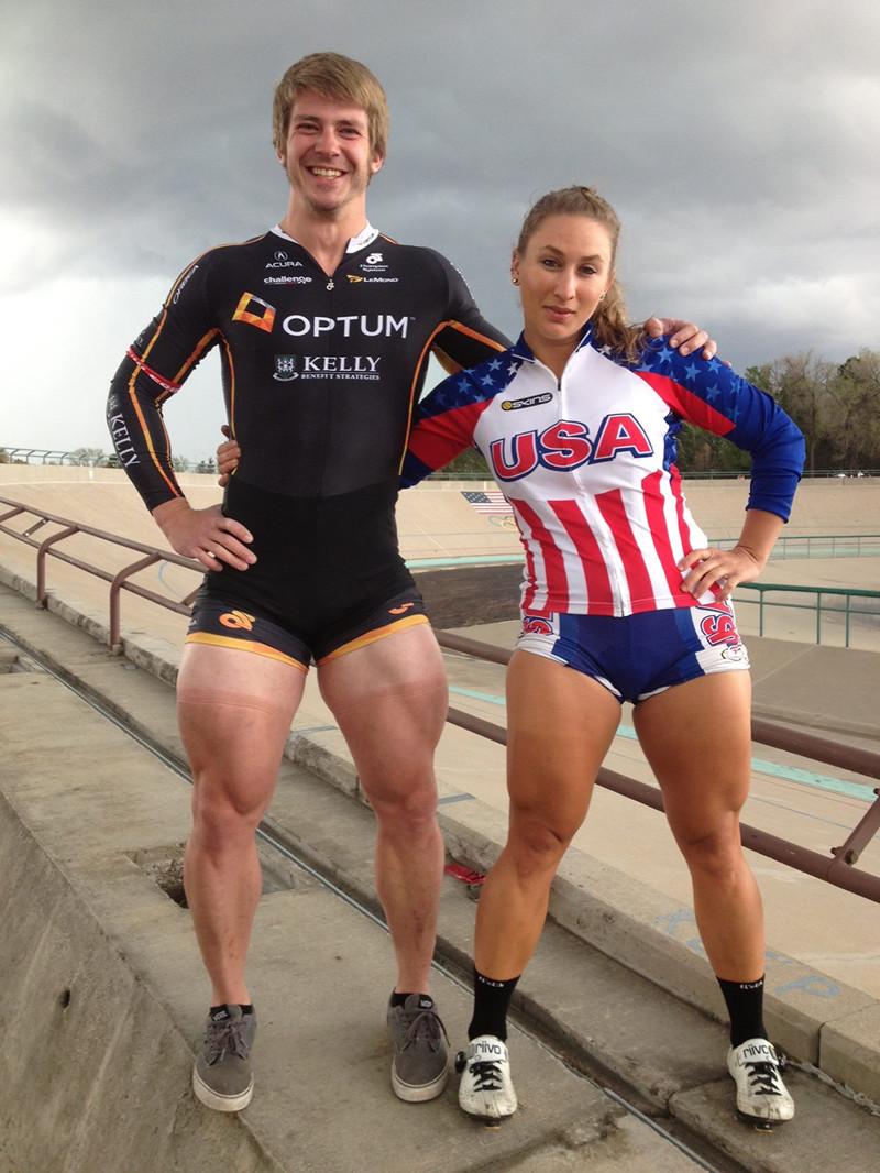 Причём девочки-велосипедистки тоже не лыком шиты. День ног, ноги, прикол, тренировки, юмор