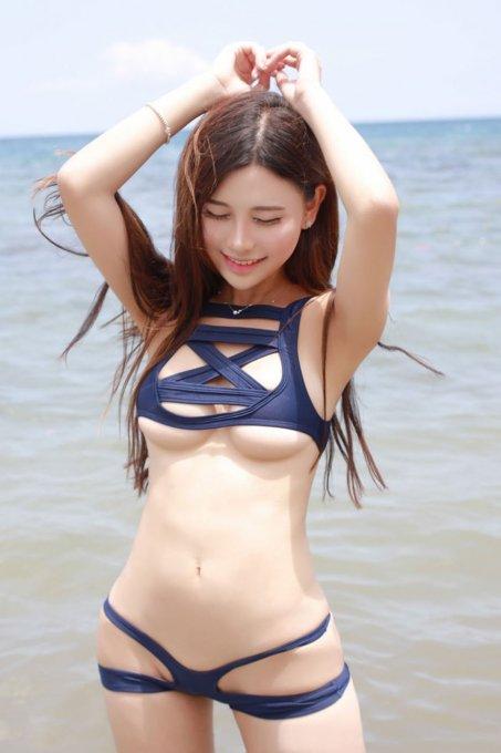 damochki-v-tele-v-mini-bikini-foto