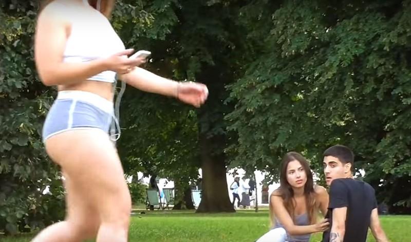 Русское секс видео в парке на глазах у людей