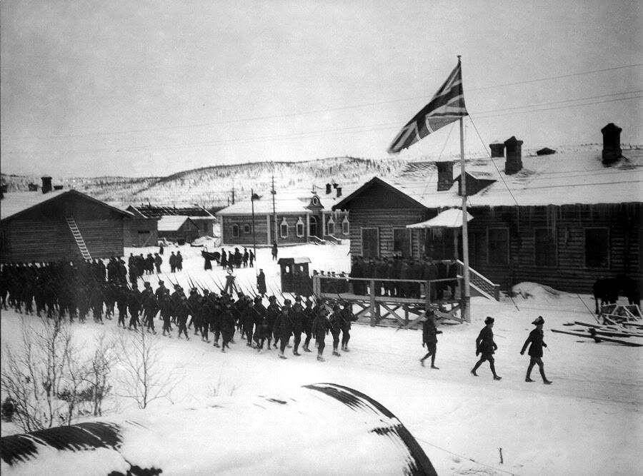 02-murmansk-parade-november-1918-90.jpg