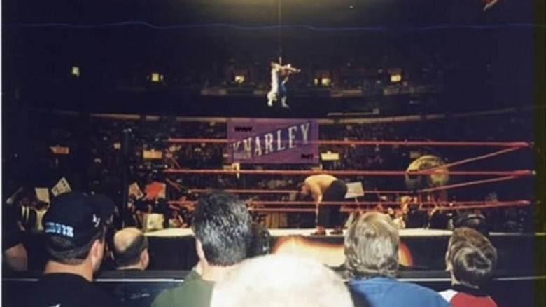 9. Оуэн Харт: 23 мая 1999 года знаменитость, публика, смерть