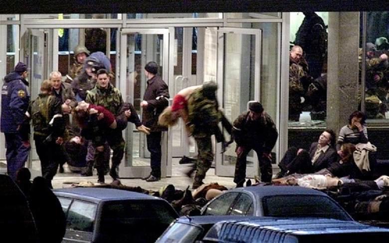 """7. Труппа мюзикла """"Норд-Ост"""": 23-26 октября 2002 года знаменитость, публика, смерть"""