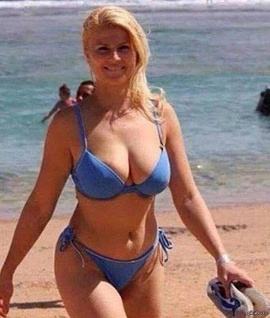 Одна из самых эффектных глав государств на отдыхе vip персоны, папарацци, пляж, снимки знаменитостей