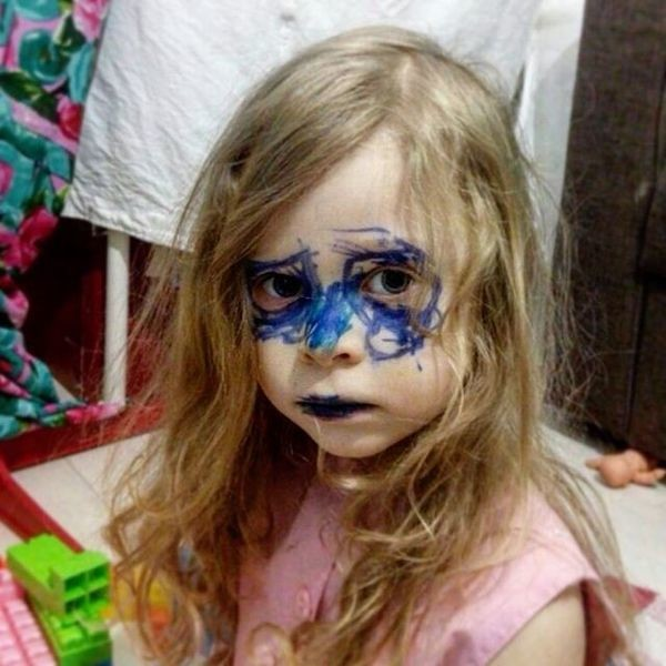 Пристрастие к макияжу появляется еще в раннем детстве девушки, макияж, обман, прикол, юмор