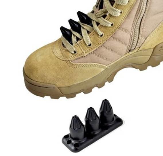 Шипы в шнуровке ботинок женщины, оружие, самооборона