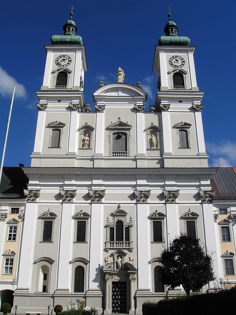 4. Аббатство Гарстен (Австрия) мир, психлечебница, тюрьма