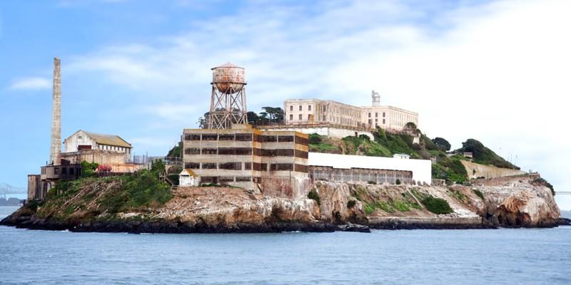 14. Алькатрас (Сан-Франциско, Калифорния, США) мир, психлечебница, тюрьма