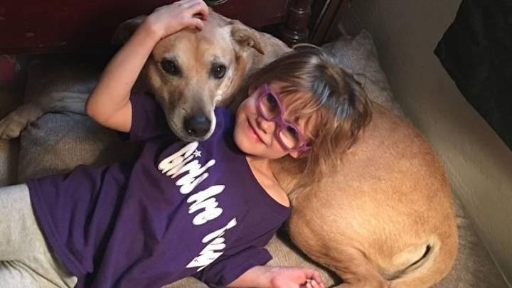 3-летней Кайли Херрел (Cailee Herrell) был поставлен диагноз наследственная экссудативная витреоретинопатия, и это значит, что она страдает от прогрессирующей потери зрения дети, жизнь, слепота