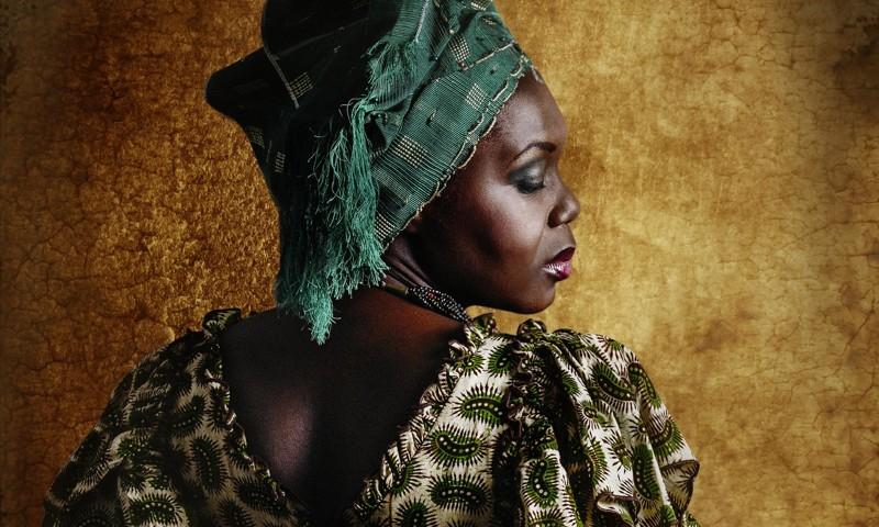 krasivaya-dve-afrikanki-video