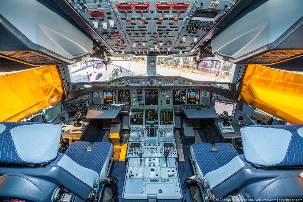 Самый большой самолет в мире фото салона