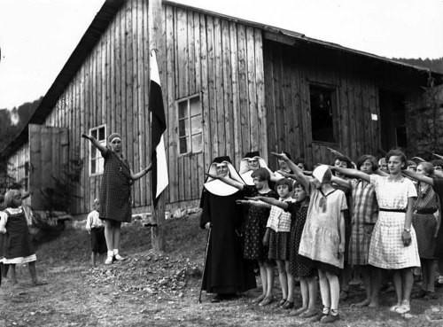 Католический женский лагерь в Макув-Подхаляньски, Польша, 1930-е. было, история, фото