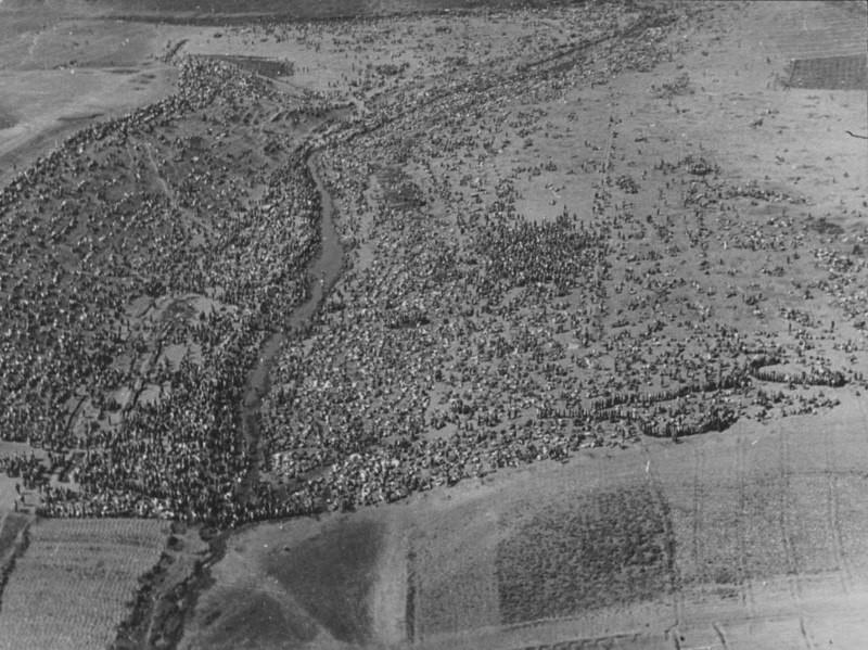 Аэрофотосъемка сборного пункта советских военнопленных в поле под Харьковом, 1942 год. было, история, фото