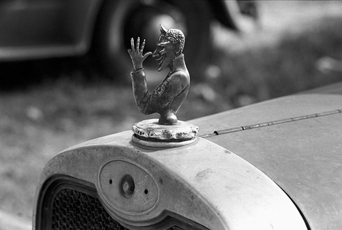 Фигурки на капоте как особый вид автомобильного искусства авто, автомобилисты, прикол, фигурки на капоте, юмор