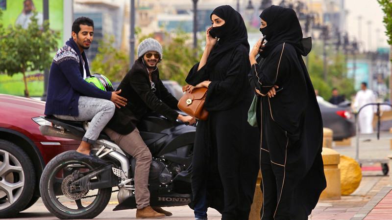 Делать что-либо без согласия мужчины-опекуна женщины, законы, интересное, саудовская аравия