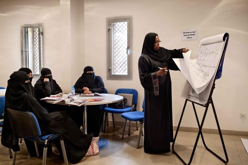 Работать где ей нравится женщины, законы, интересное, саудовская аравия