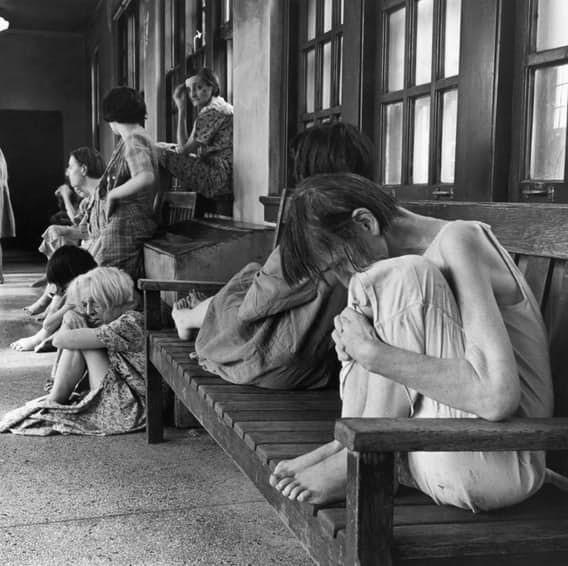 Женщины чаще становились пациентками психлечебниц, чем мужчины врачи, жестокое обращение с пациентами, психи, психиатрическая больница