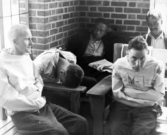 Психиатрические больницы прежних эпох страдали от перенаселенности врачи, жестокое обращение с пациентами, психи, психиатрическая больница
