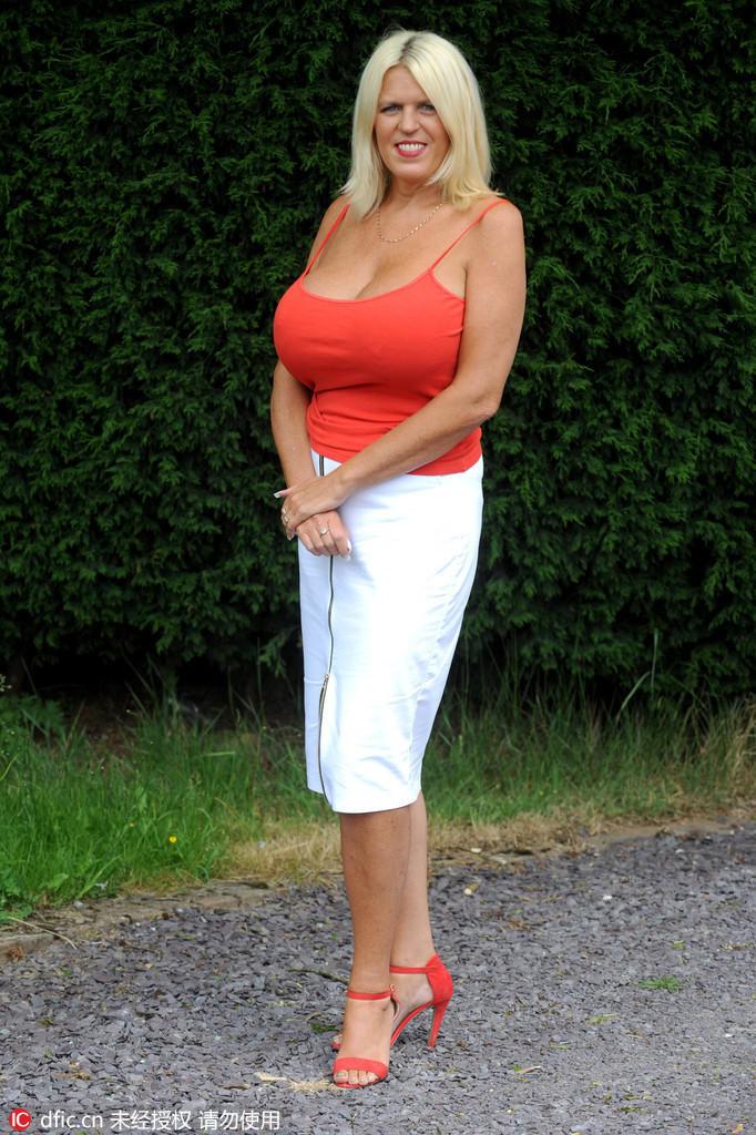 Зрелые женщины с шикарной грудью это