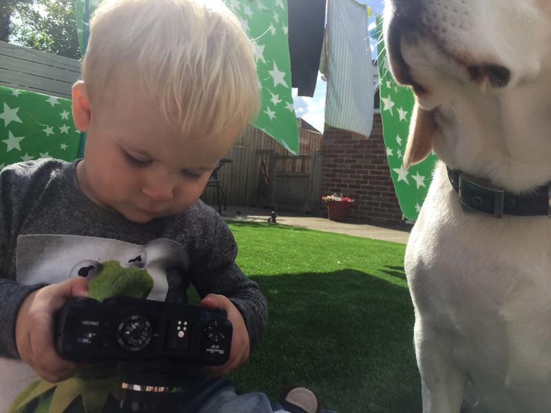 Мир глазами ребенка: фотографии, которые сделал полуторагодовалый мальчик на старенький Canon G12 ребенок, фотография