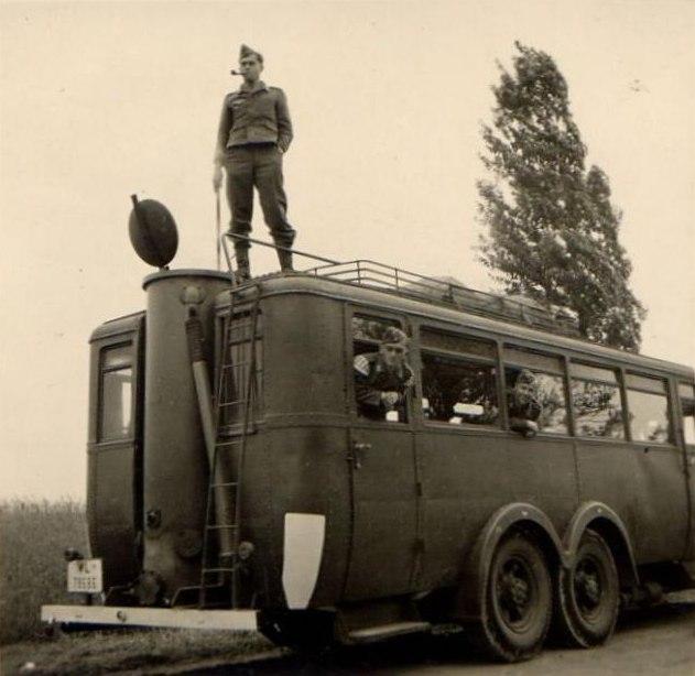 Газогенераторный автобус «VOMAG» на службе в люфтваффе/Фото: fishki.net
