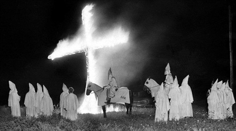 ku klux klan meeting Ku klux klanthe history of the ku klux klan in texas extends from the reconstruction era to the present the original organization was founded in pulaski, tennessee, probably in may or early june 1866, by six young confederate veterans.