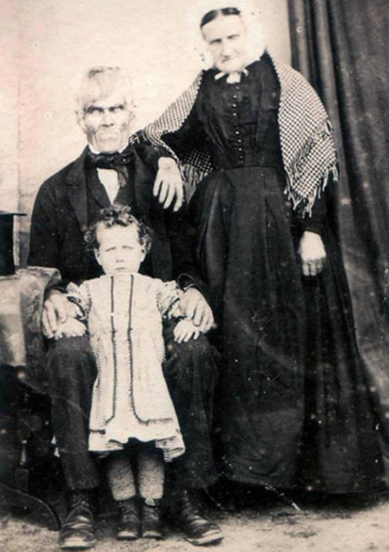 Милое семейное фото история, прошлое, страх, ужас, фото