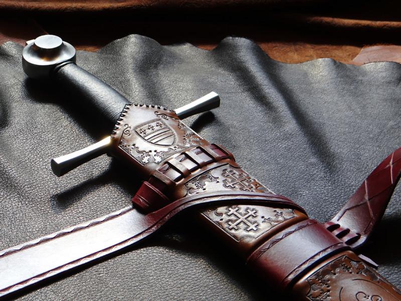 уже первые рыцарский меч картинки зубах