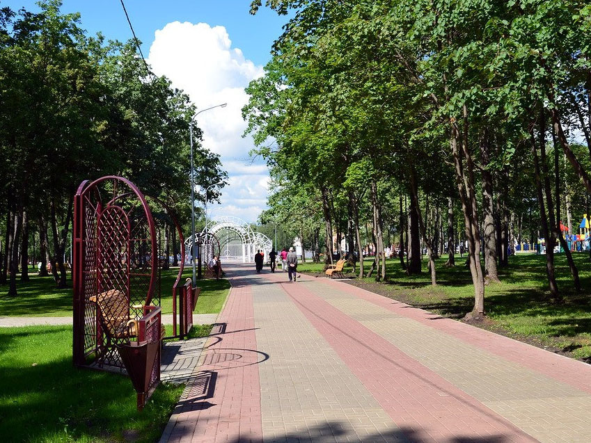 https://cdn.fishki.net/upload/post/2016/10/14/2105481/park-proletarskogo-rayona-4.jpg