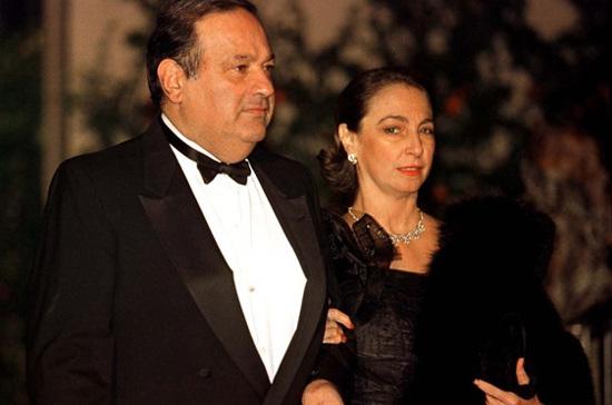 4. Карлос Слим Элу, 4 место в рейтинге Forbes, состояние - 50 млрд долларов. Супруга (покойная) - Сомайя Домит Гермайель Трамп, богатые жёны, миллиардеры, супруги