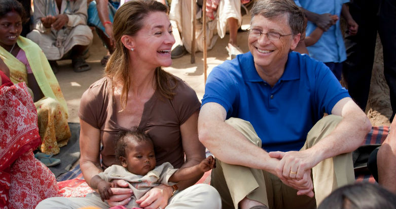 1. Билл Гейтс, 1 место в рейтинге Forbes, состояние - 75 млрд долларов. Супруга - Мелинда Гейтс Трамп, богатые жёны, миллиардеры, супруги