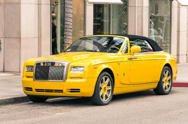 Для особых случаев у магната из Китая есть кабриолет Rolls-Royce Phantom Drophead Coupe. миллиардер, миллионер, суперкары