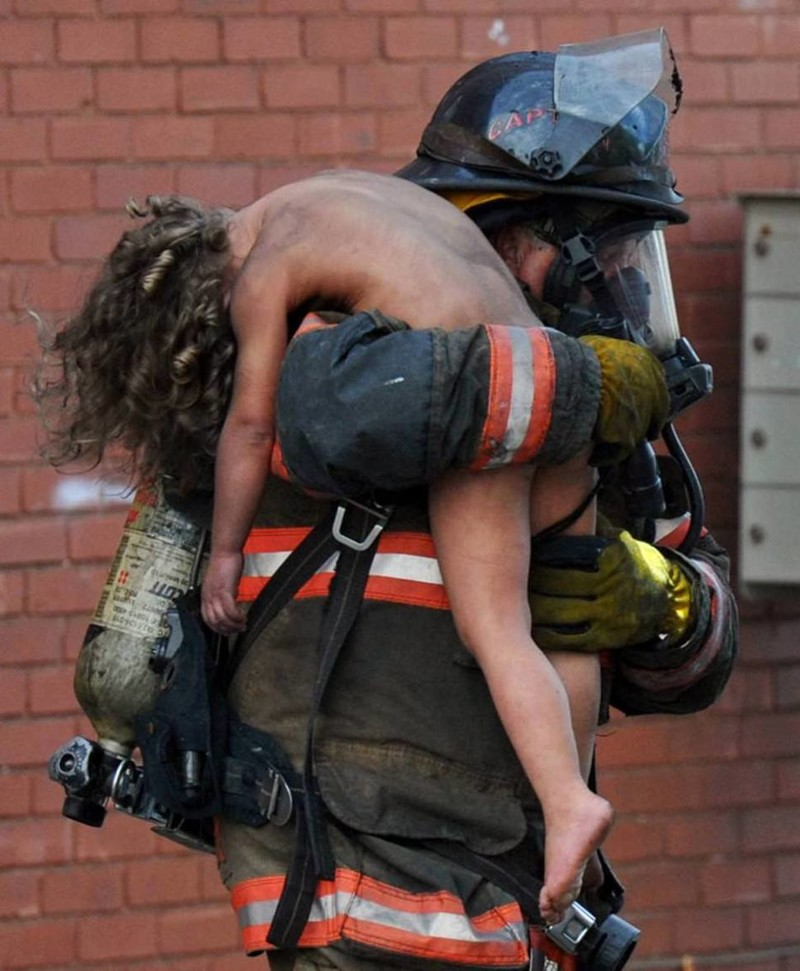 любовь фото пожарный спас человека жировик прорвался, лопнувшая
