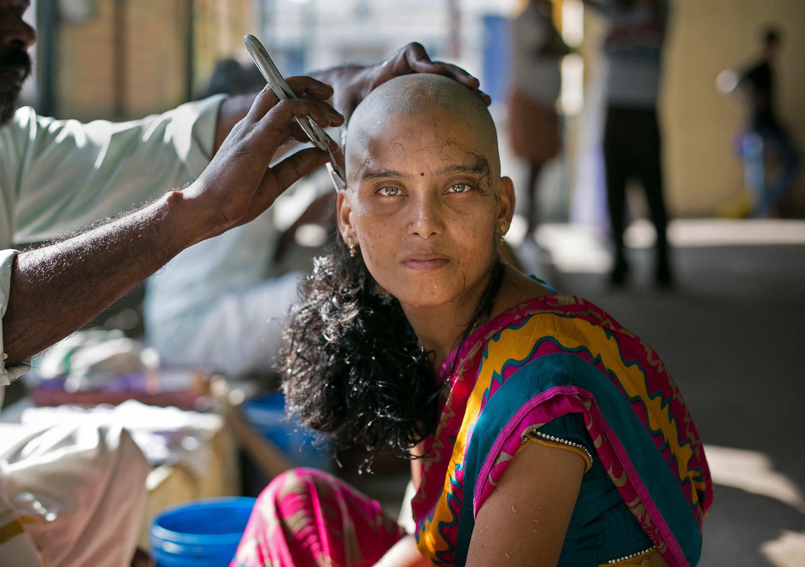 Супер жопа девки бреются фото шлюхи