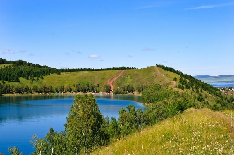 Неподалеку от озера Большое есть озеро Круглое.