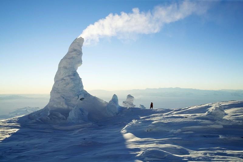 2. Снежные трубы. Действующий вулкан - самый южный активный вулкан на Земле - находится в Антарктике, на горе Эребус природные феномены, природные явления