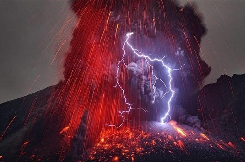 1. Грязевые грозы. Возникают, когда молния появляется в вулканическом шлейфе природные феномены, природные явления