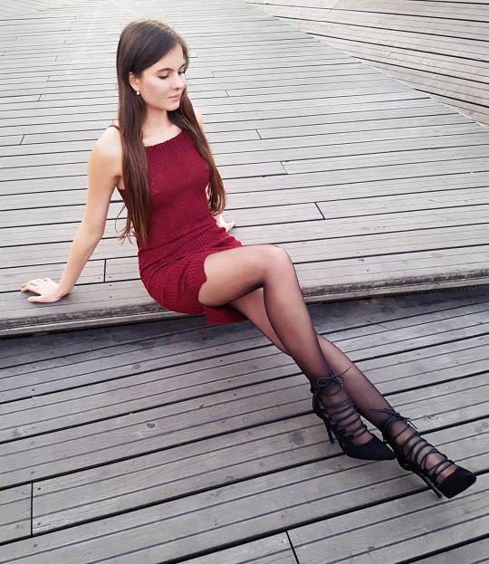 Девушки с классными ножками молодец!